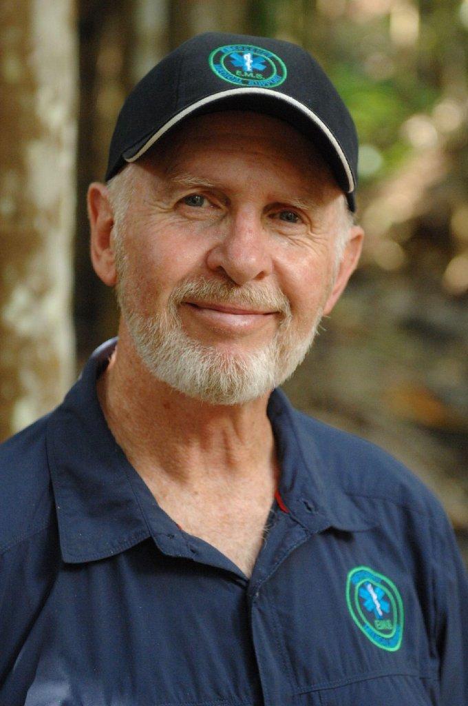 Und auch Robert McCarron alias Dr. Bob ist wieder mit von der Dschungel-Partie. Der 61-Jährige ist ausgebildeter Notfallsanitäter und für das gesundheitliche Wohlergehen der Kandidaten zuständig. Foto: RTL/Stefan Menne
