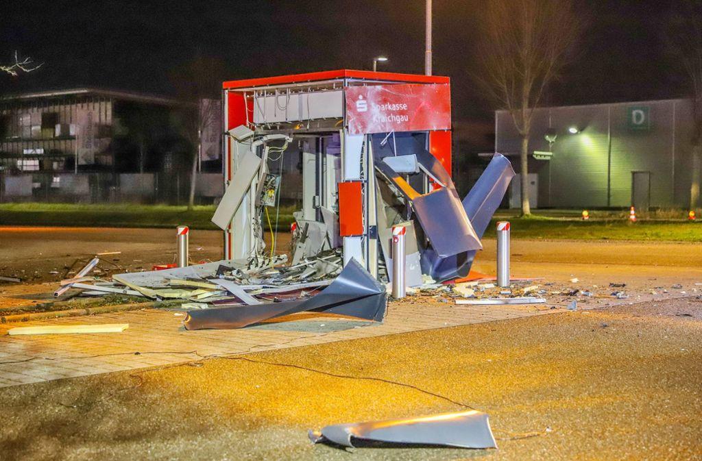 Zerstört werden die Automaten meistens, indem Gas eingeleitet und angezündet wird. Foto: dpa/Fabian Geier