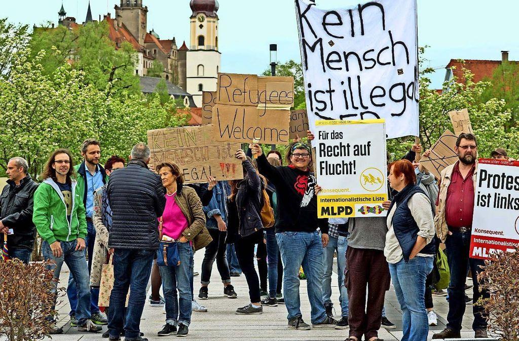 Teilnehmer des Protests gegen das AfD-Treffen in Sigmaringen. Foto: Günther Brender