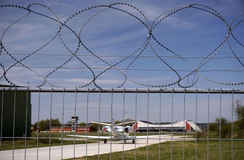Am Flughafen bei Memmingen läuft der Flugbetrieb langsam wieder an. Foto: imago images/Bernd Feil/M.i.S.
