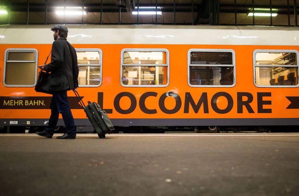 Mit etwa 40 Minuten Verspätung ist der private Bahnanbieter Locomore am Mittwoch zur Jungfernfahrt von Stuttgart in Richtung Berlin gestartet. Foto: dpa