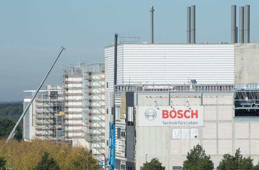 In Dresden entsteht derzeit ein neues Halbleiter-Werk von Bosch. Foto: dpa/Sebastian Kahnert