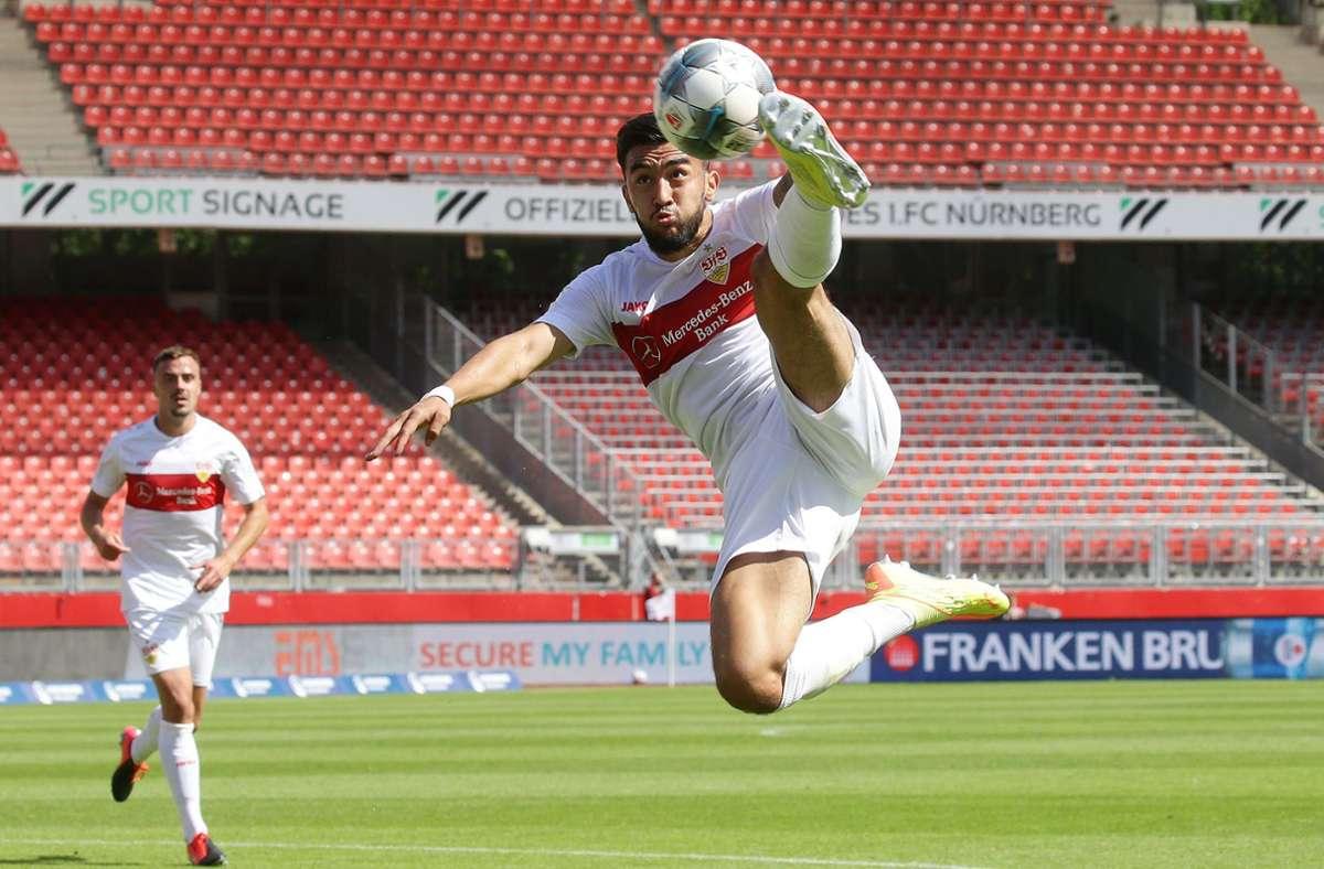 Flugeinlage von Nicolas Gonzalez: Der VfB-Stürmer traf ebenfalls gegen die Nürnberger. Foto: Pressefoto Baumann/Hansjürgen Britsch