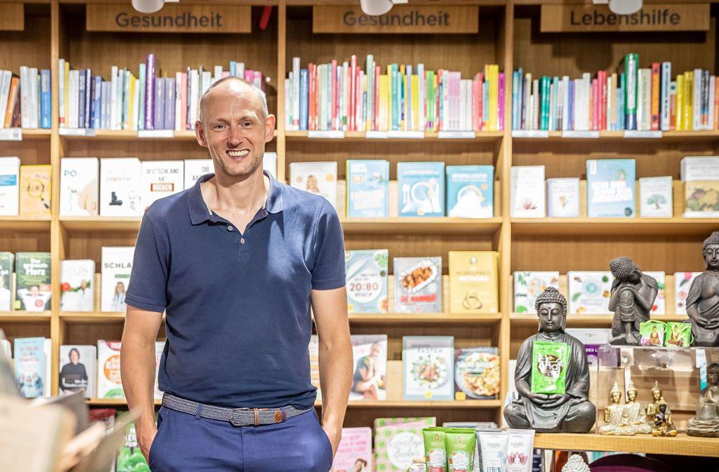 Aus der Welt der Bücher hinein ins Fußballgeschäft: Christian Riethmüller. Foto: Lichtgut/Julian Rettig