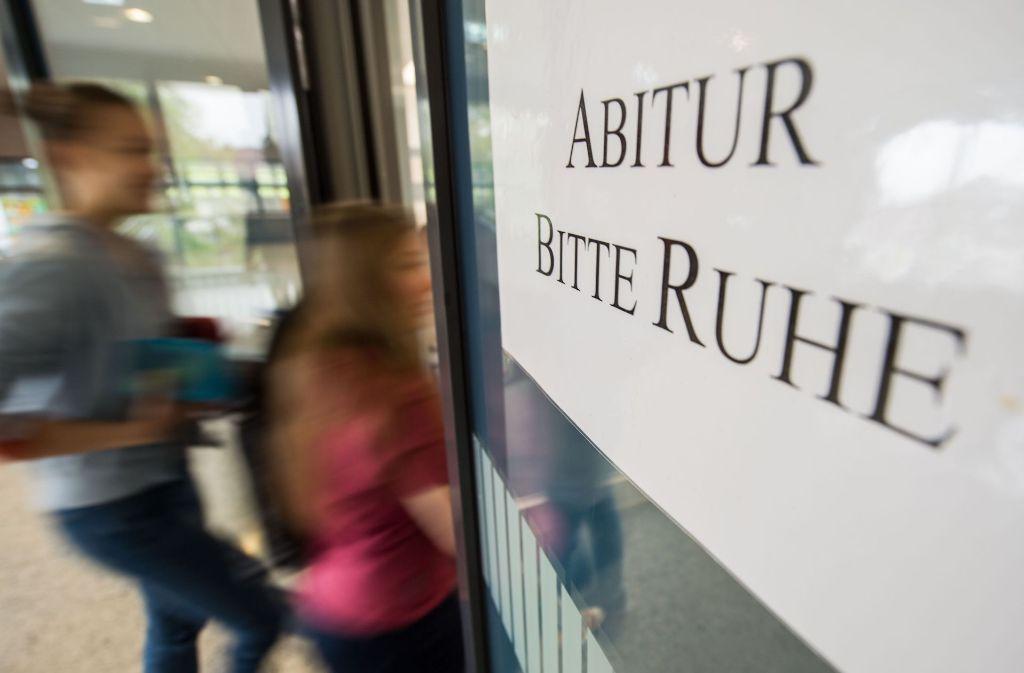 Im Kreis Karlsruhe hat es eine Panne beim Deutsch-Abi gegeben. (Symbolfoto) Foto: dpa