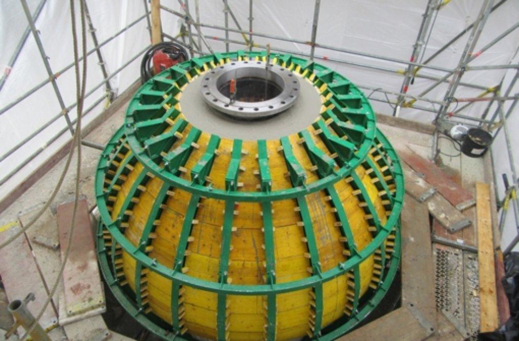 Diese Betonkugel mit drei Metern Durchmesser wollen die Forscher im Bodensee versenken. Foto: HOCHTIEF Engeneering