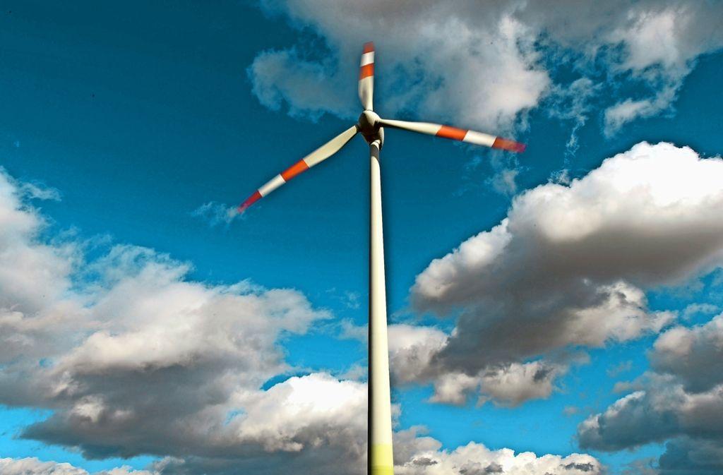 Seinen Strom  von der benachbarten Windenergieanlage zu beziehen, ist in Deutschland nicht möglich. Das würde sich auch mit dem Vorschlag aus Berlin nicht ändern.  Foto: dpa