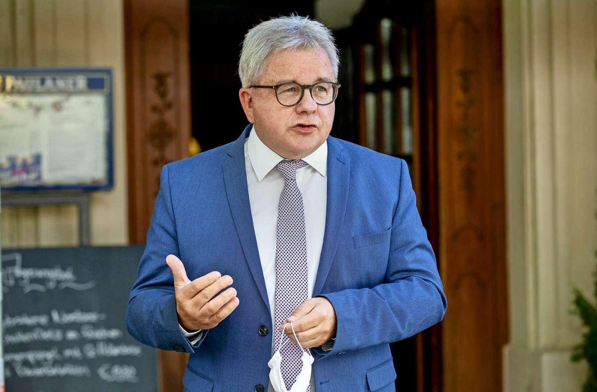 Guido Wolf bittet die Bevölkerung um Einhaltung der Corona-Regeln. Foto: Leif Piechowski