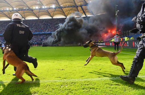 Fußball muss  generell für    Sicherheit zahlen