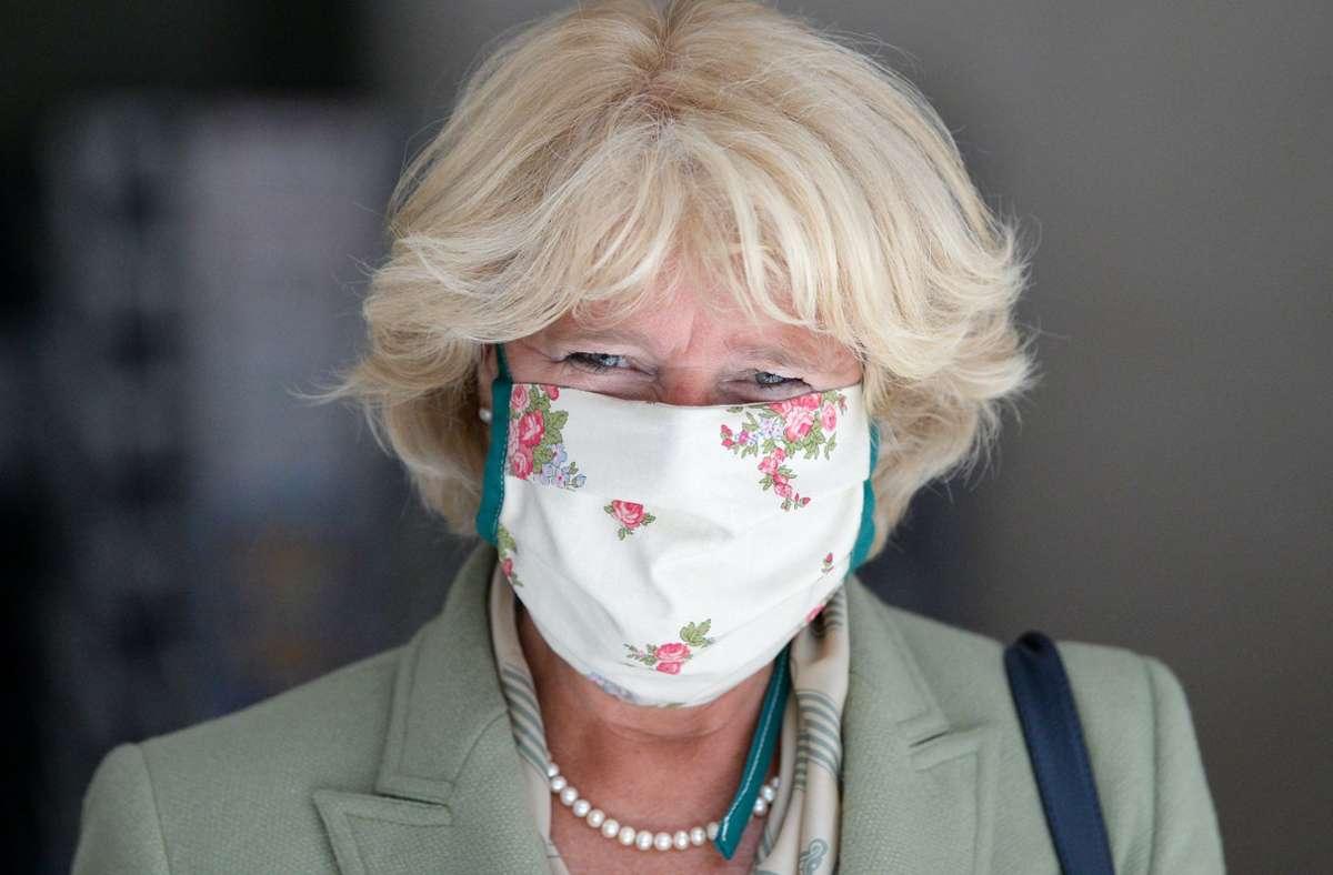 Monika Grütters will nicht an der Maske rütteln – aber am Mindestabstand im Kino und Theater. Foto: dpa/Jens Kalaene