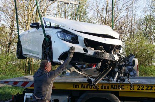 Mercedes AMG und Toyota bei Unfall geschrottet