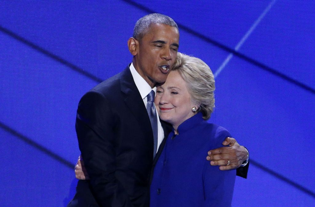 Barack Obama und Hillary Clinton: Auf den früheren US-Präsidenten Barack Obama und seine frühere Außenministerin Hillary Clinton sollten möglicherweise Bombenattentate verübt werden. Foto: EPA