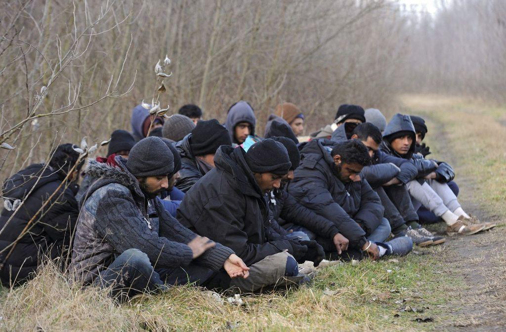 Wegen unsicherer Bedinungen schickt die Bundesregierung vorerst keine Flüchtlinge nach Ungarn mehr. Foto: dpa