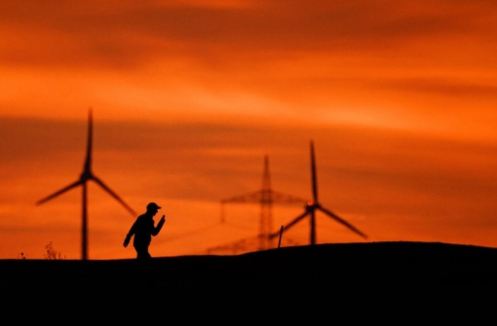 Den Windstrom in den Süden bringen – das ist das Ziel der großen Stromtrassen. Foto: dpa