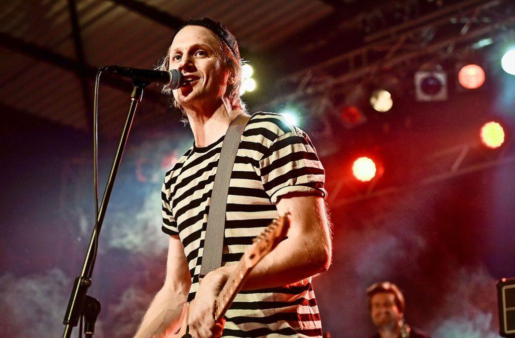 Es ist die bisher größte Headliner-Show, die Beat Schmutzki und seine Band in Stuttgart spielen. Foto: Lichtgut/Ferdinando Iannone