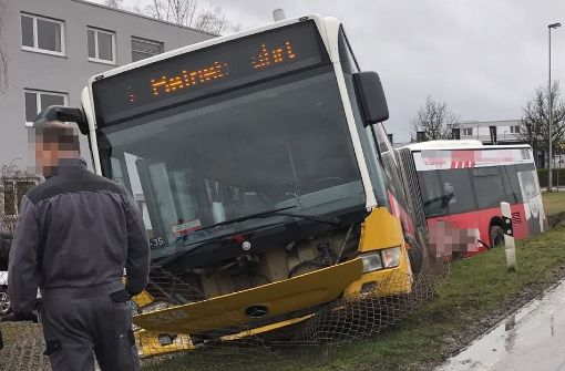 Bus verunglückt bei Betriebsfahrt