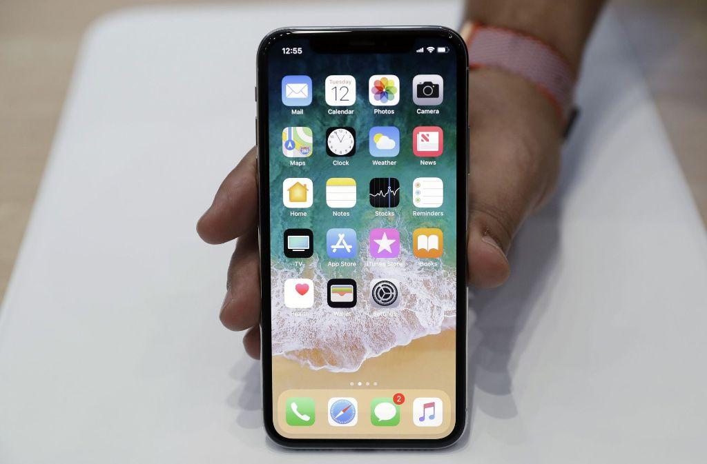 Das neue iPhone X sorgt für unterschiedliche Reaktionen im Netz. Foto: AP