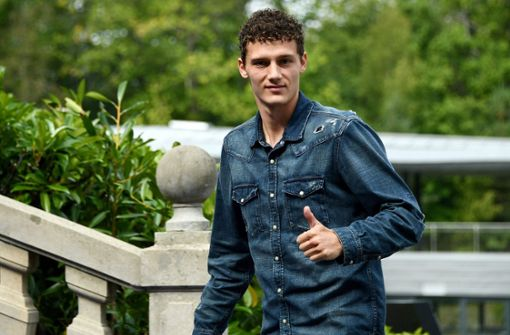 Benjamin Pavard dementiert Vertrag mit Bayern München