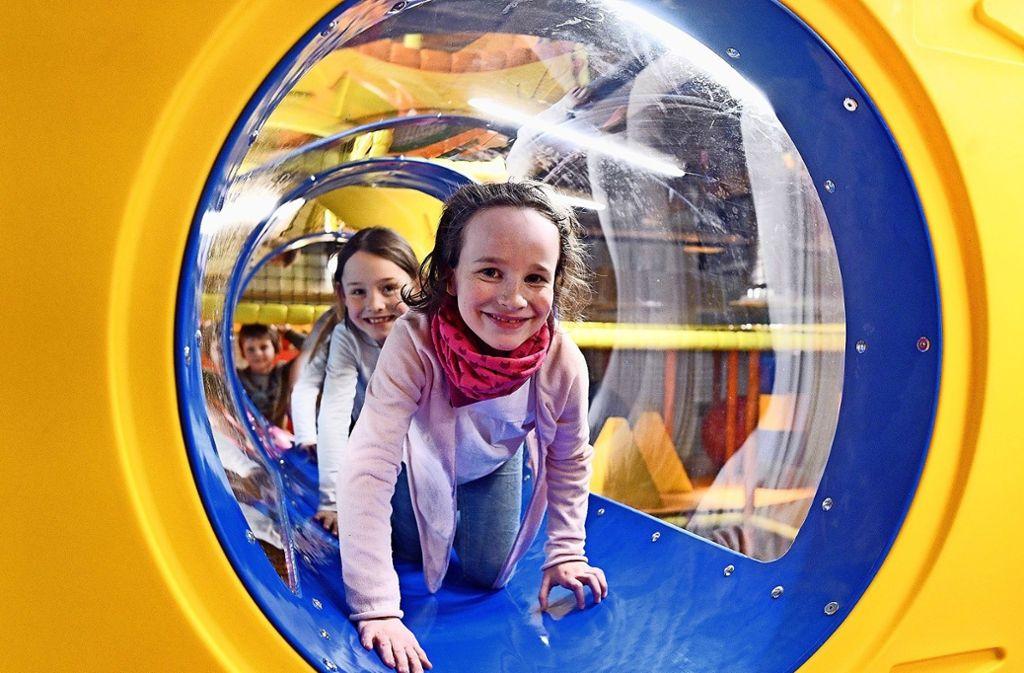 """Voller Hindernisse: Im """"Verrückten Labyrinth"""" geht es durch Röhren und Tunnel. Foto:"""