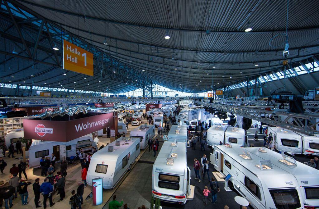 Ein zentrales Element der CMT ist die große Wohnwagen-Ausstellung. Foto: Lichtgut/Leif Piechowski