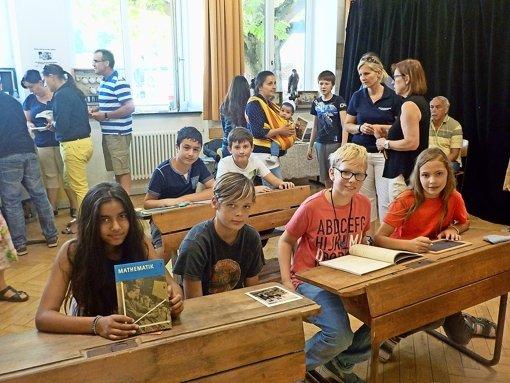 Schüler spüren der Geschichte ihrer Schule nach