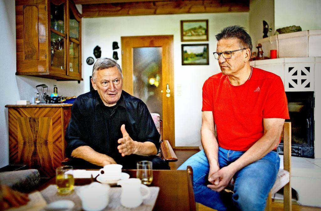 Helmut Kapp (links) weiß, wie viel  Arbeit auf einen ehrenamtlichen Ortsvorsteher zukommt, Rainer Kneile noch nicht. Foto: Horst Rudel