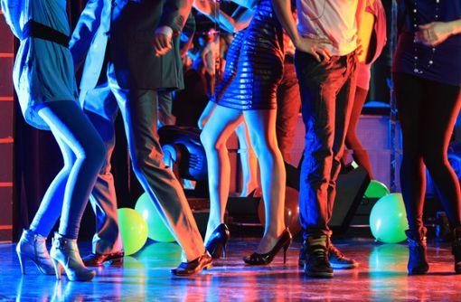 Ein neuer Tanzstil erobert die Clubs – Bachata. Er kommt aus der Dominikanischen Republik.