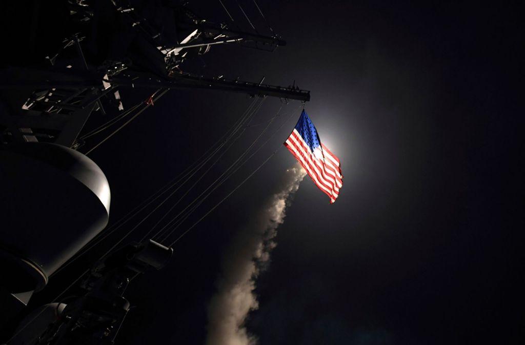 Trotz der Raketenangriffe auf Ziele in Syrien strebt Russland einen Dialog mit den USA an. (Archivbild) Foto: AP