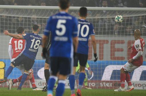 Schalke verschärft Mainzer Abstiegssorgen