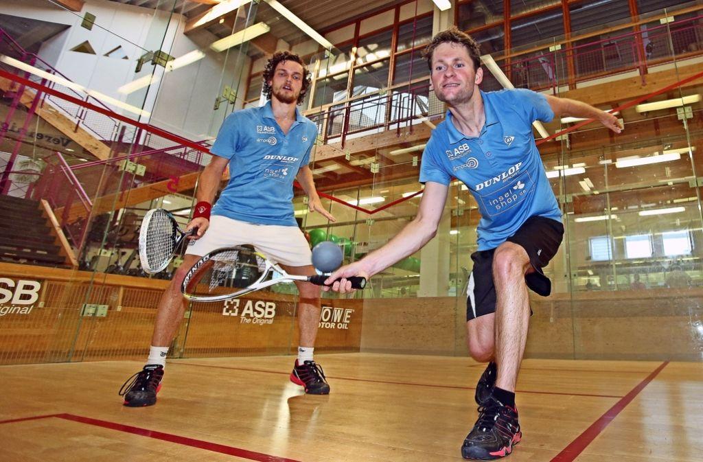 Harmonisches Squash-Duo: Das  Stuttgarter Doppel Valentin Rapp und Ben Petzoldt (re.). Foto: Baumann