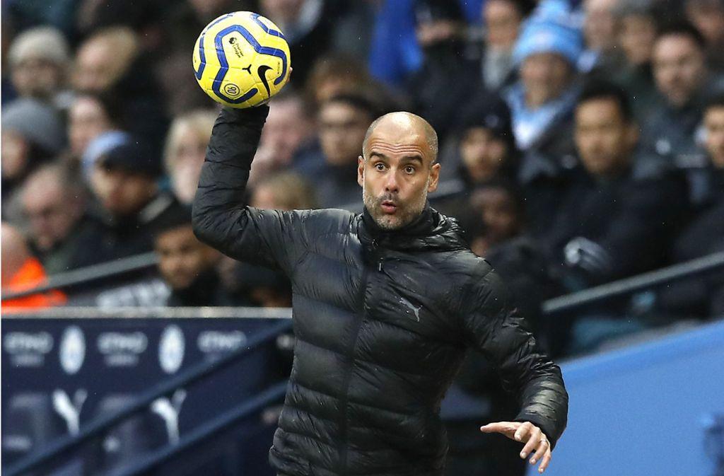 Wirft Trainer Pep Guardiola bei Manchester City vorzeitig hin. Schwer vorstellbar, dass der Spanier bei den Engländern bleibt, wenn diese nicht in der Champions League spielen. Foto: dpa/Martin Rickett