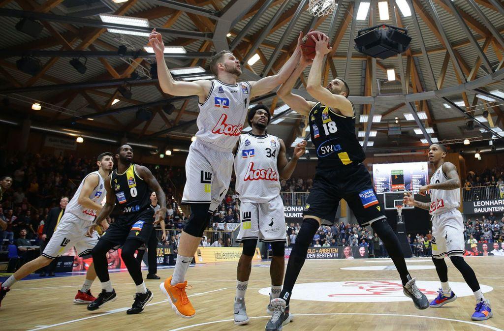 Basketball in Crailsheim, wo auch mal eine Viehauktion stattfindet. Foto: Baumann