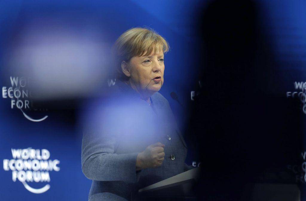 Angela Merkel hat in Davos vor nationalistischer Abschottung gewarnt, aber noch keinen großen Entwurf für die Europäische Union präsentiert. Foto: AP