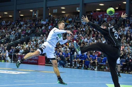 Deutsche Handballer starten mit Kantersieg in EM-Quali