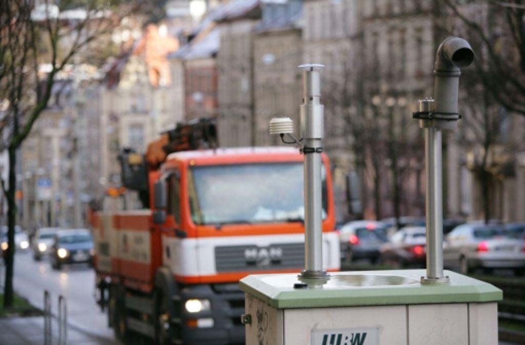 Die Feinstaubmessungen in Stuttgart ergeben regelmäßig schlechte Werte. Foto: Achim Zweygarth