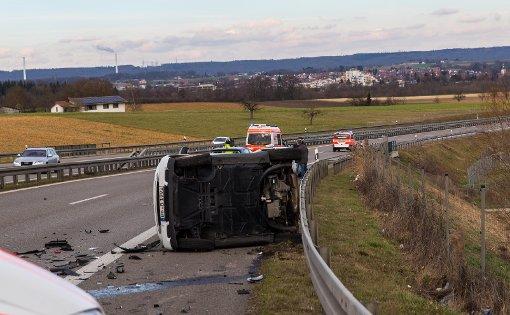 Auf der B313 bei Köngen im Kreis Esslingen sorgte ein Auffahrunfall für weitreichende Konsequenzen. Foto: www.7aktuell.de | Florian Beck
