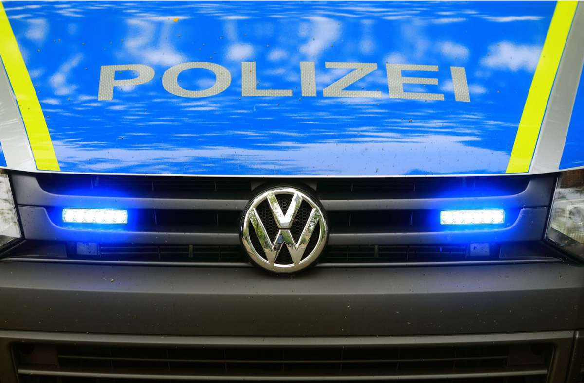 Die Polizei konnte den 53-Jährigen am Sonntag fassen. (Symbolbild) Foto: dpa/Jens Wolf