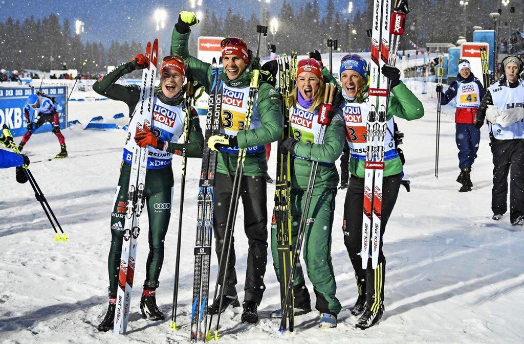In der Mixed-Staffel kamen die Deutschen bei der WM 2019 auf Platz zwei: Benedikt Doll, Arnd Peiffer, Denise Herrmann und Vanessa Hinz (v. li.) Foto: imago/Jessica Gow