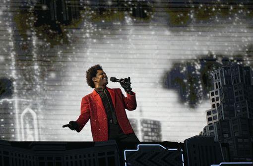 The Weeknd begeistert mit opulenter Spiegel-Show