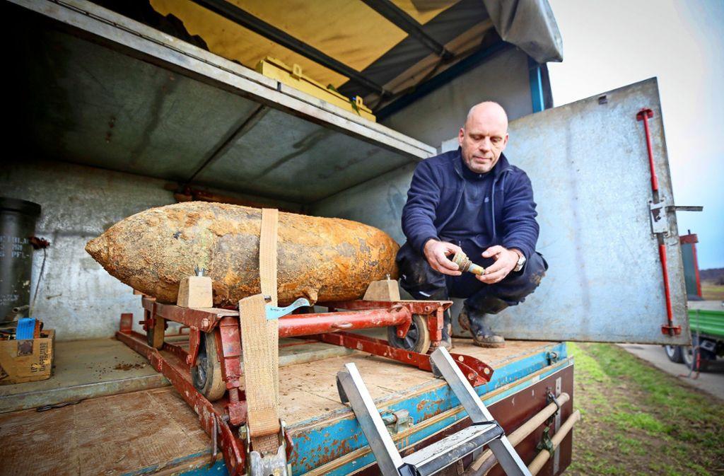 Christoph Rottner vom Kampfmittelbeseitigungsdienst hat erst im Februar bei Korntal-Münchingen eine britische Fliegerbombe entschärft. Foto: factum/Weise