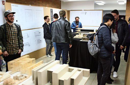 Studenten entwerfen Neubauten für Schule