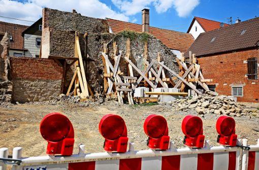 Teilweise eingestürzte Stadtmauer wird saniert