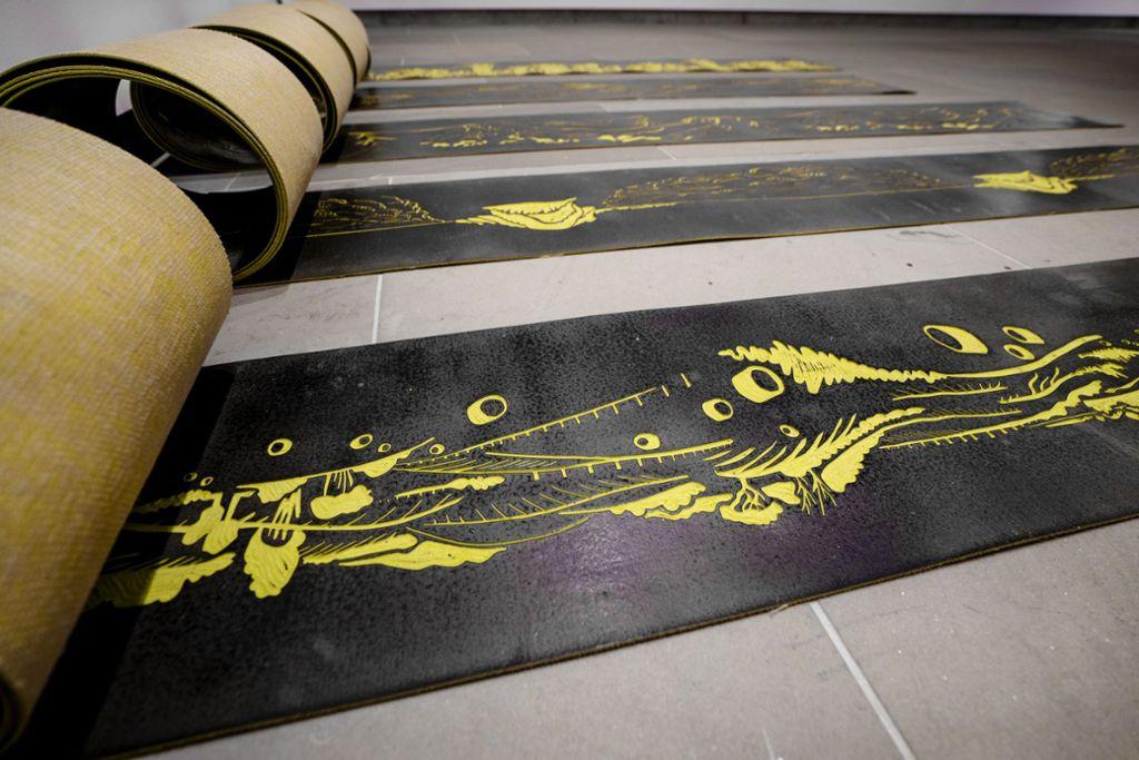 Bei Katharina Krenkel ist das Linoleum selbst das Kunstwerk. Foto: