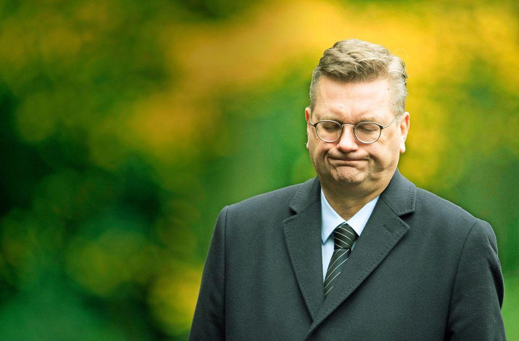 Schlechte Stimmung: DFB-Chef Grindel wird des Nachtretens beschuldigt. Foto: dpa