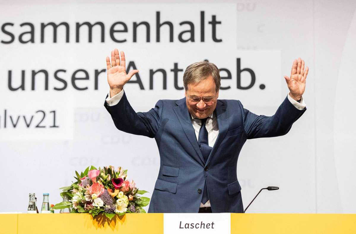 Beim Heimspiel in Nordrhein-Westfalen hat  Armin Laschet am Samstag viel Applaus bekommen – aber auch am Sonntag in Sachsen-Anhalt lief es gut für den Bundesvorsitzenden. Foto: AFP/Marcel Kusch