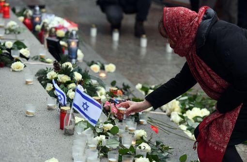 Bei  Gedenkveranstaltung wird an Opfer erinnert
