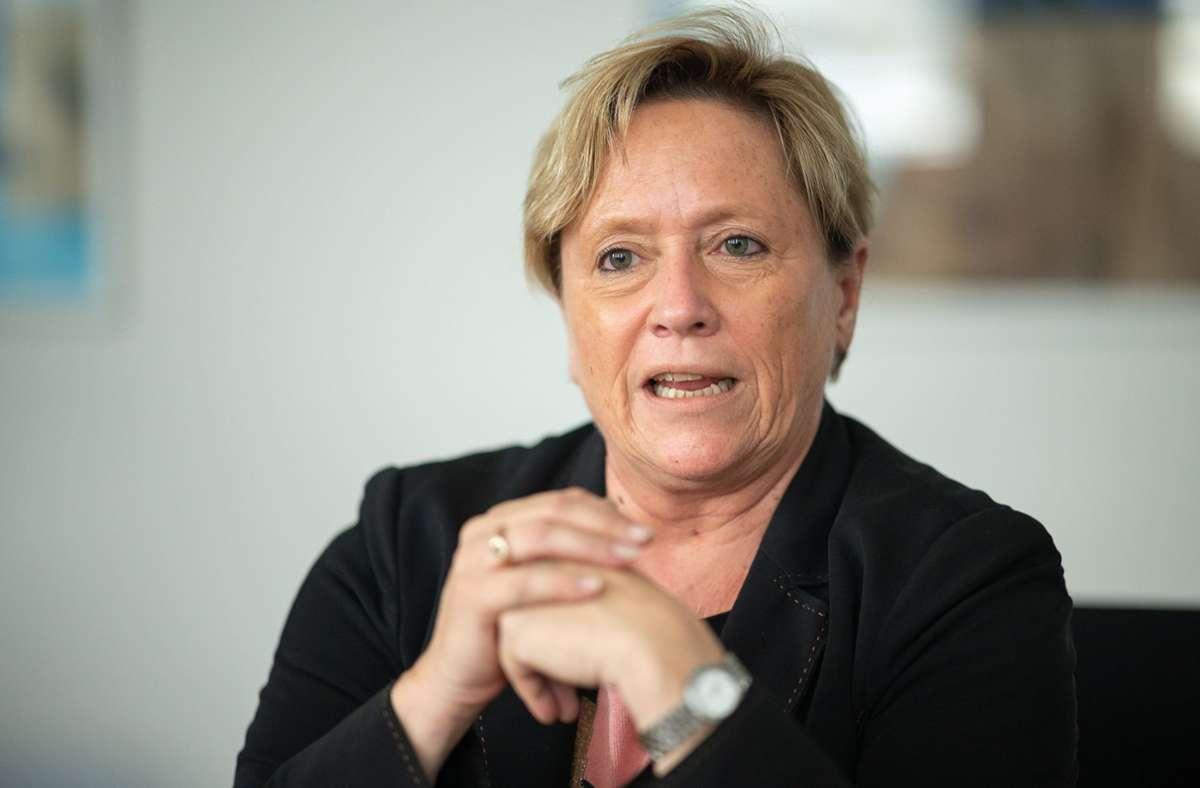 """""""Eine Ungleichbehandlung von Lehrkräften unterschiedlichen Alters ist nicht vertretbar"""", sagte Susanne Eisenmann in einem Bericht. (Archivbild) Foto: dpa/Sebastian Gollnow"""