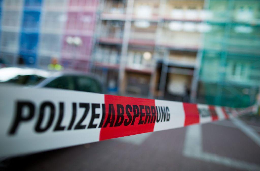In Bad Cannstatt wir ein 19-Jähriger durch einen Messerstich verletzt (Symbolbild) Foto: dpa