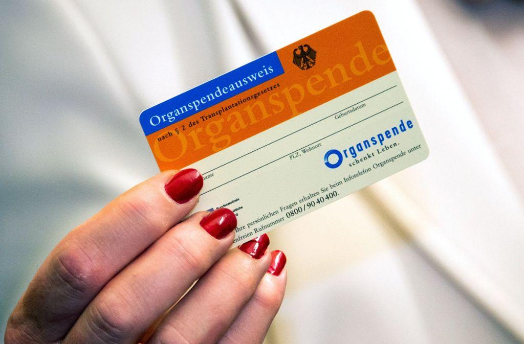 Nach einer Umfrage der Bundeszentrale für gesundheitliche Aufklärung haben 36 Prozent der Deutschen einen Organspendeausweis. Foto: dpa
