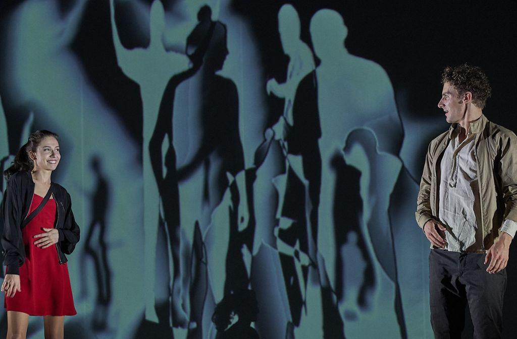 """Thriller und modernes Märchen zugleich: Am Freitagabend feierte Wajdi Mouawads """"Vögel"""" im Stuttgarter Schauspiel  Premiere. Foto: Matthias Horn"""